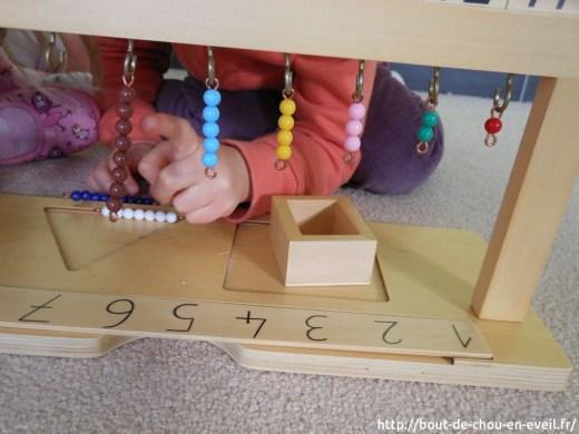 Support Montessori pour barrettes de perles de 1 à 9