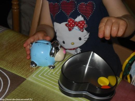 Activité Montessori : jeu de la tirelire