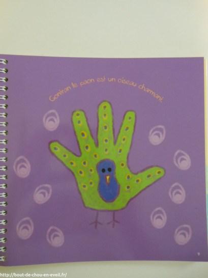 Un exemple de paon dessiné avec les mains