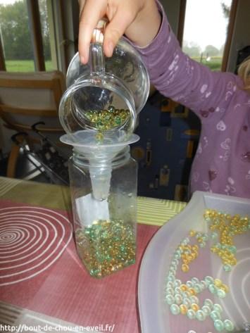 Transvaser des perles d'eau