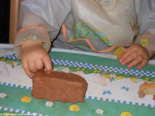 Atelier modelage libre pour bébé