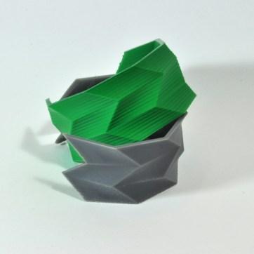 Peças impressas com plástico ABS e PLA.