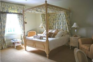 Pentre Mawr Boutique Guest House - Four Poster Bedroom