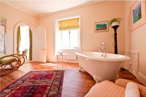 Pentillie Castle Boutique Bed and Breakfast - Bathroom