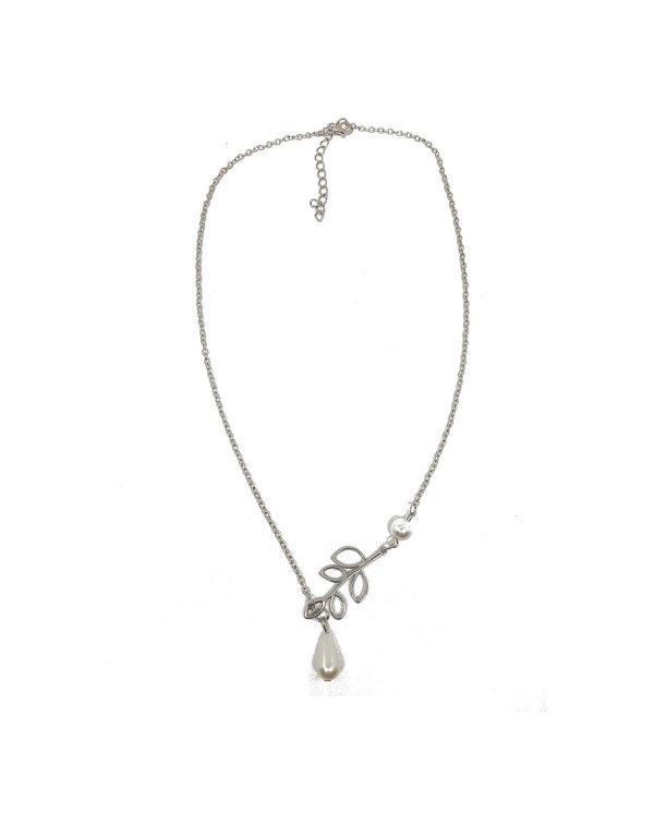 Collier de perles et feuilles