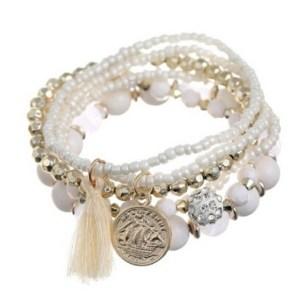Bracelets perles breloques blancs