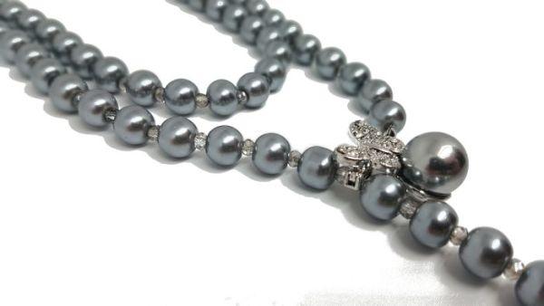 Parure sautoir et boucles d'oreilles perles grises2