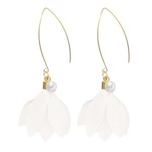 Boucles d'oreilles perle et fleur blanc