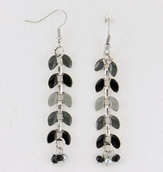 Boucles d'oreilles émail perles de rocaille gris
