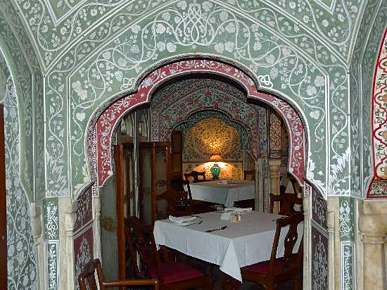 Jaipur boutique hotels - Dining room, Samode Haveli
