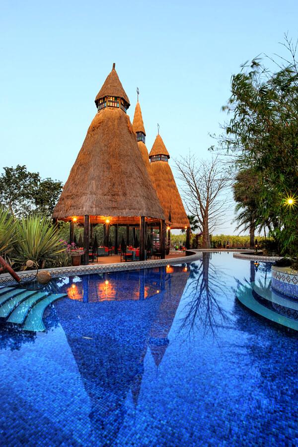 Swimming pool at Mandina Lodge