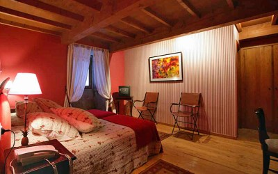 A Memorable Escape – Romance, History and Thunderstorms in Northern Spain