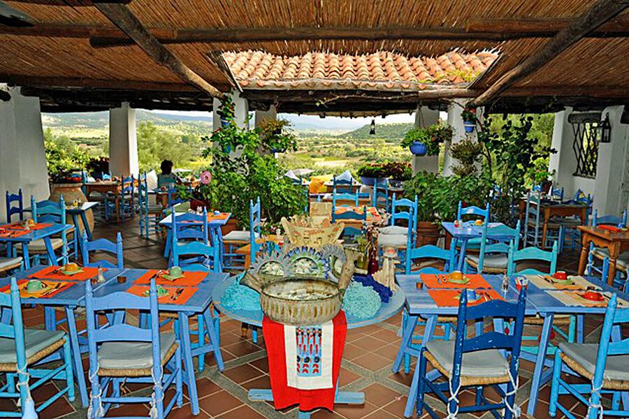 Su-Gologone breakfast terrace