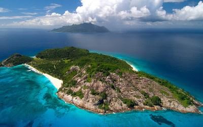 5 Luxurious Private Island Resorts Around the World