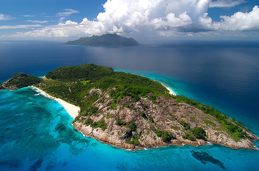 5 Luxurious Private Island Resorts Around the World
