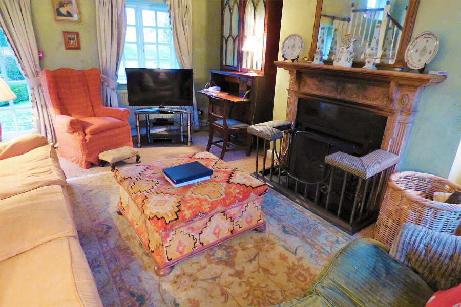 Drawing room at Aintree Cottage | Cottage breaks UK