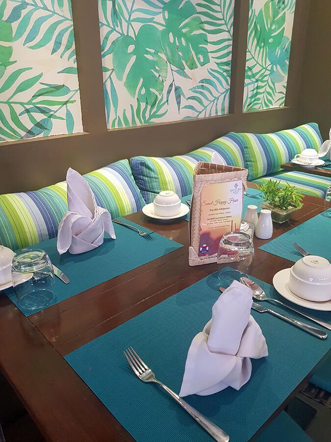 Bacau Bay Resort Coron Philippines - breakfast dining room