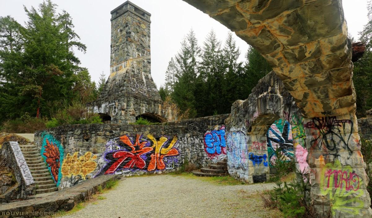 The ruins of Deertail Resort - Click to enlarge