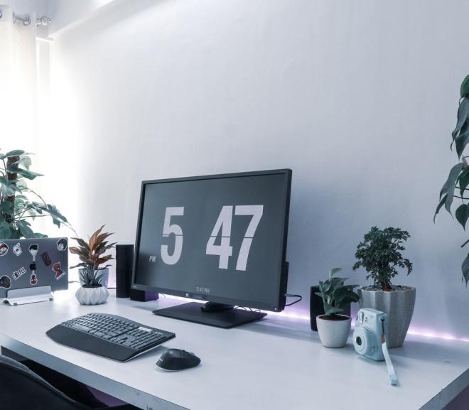 Werkhouding verbeteren met een zit sta bureau
