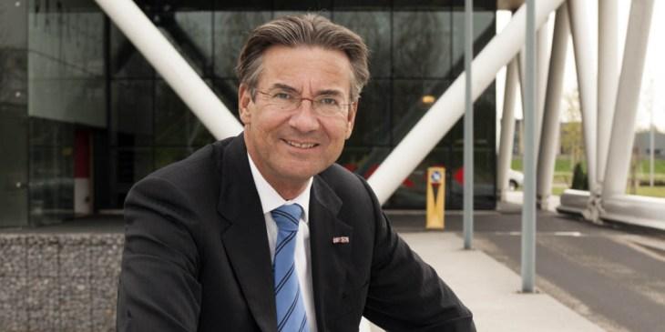 Maxime Verhagen herbenoemd als voorzitter Bouwend Nederland