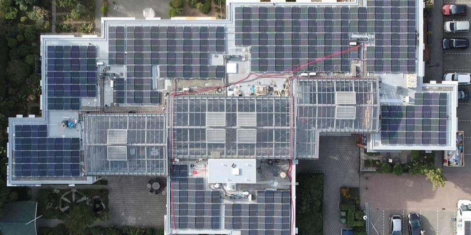Veilig plaatsen zonnepanelen op appartementen