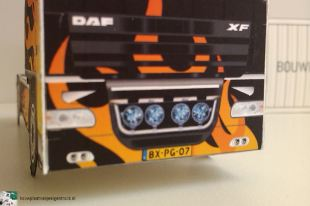 bouwplaat-papercraft-daf-xf-flames_11