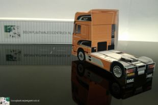 bouwplaat-papercraft-paper model-daf-new-xf