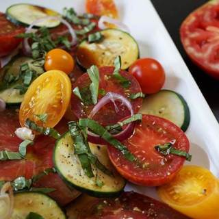 So much gorgeousness right here in this yummy salad!