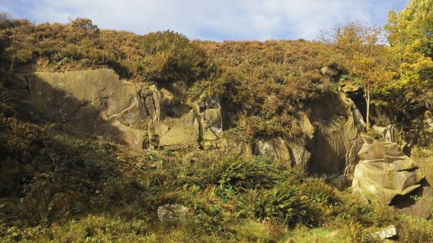 A sunny Crowshaw Quarry.