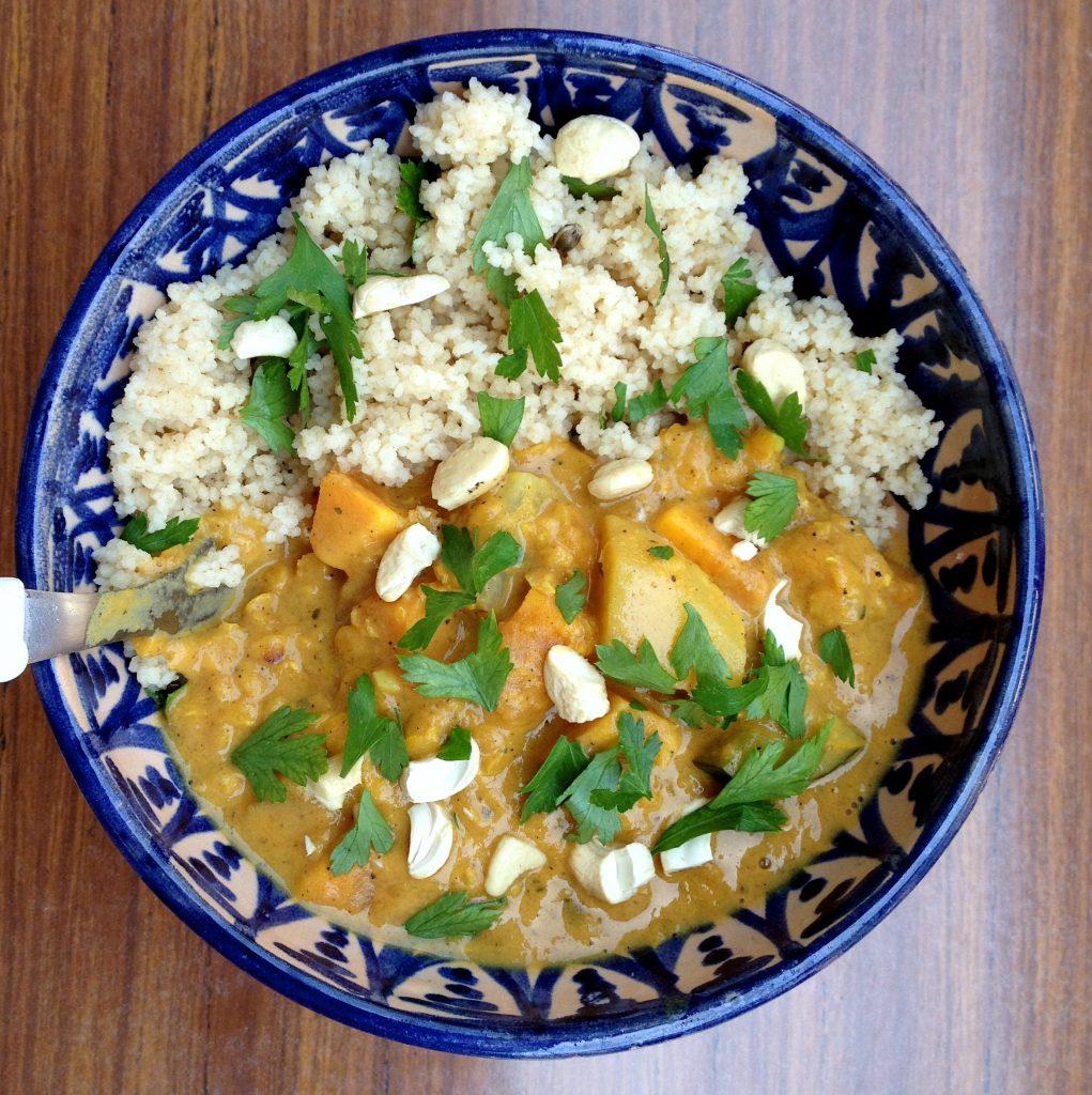 IMG 6456 1021x1024 - Köstliches Gemüse-Curry und die Vorteile von Früchten und Nüssen am Essen