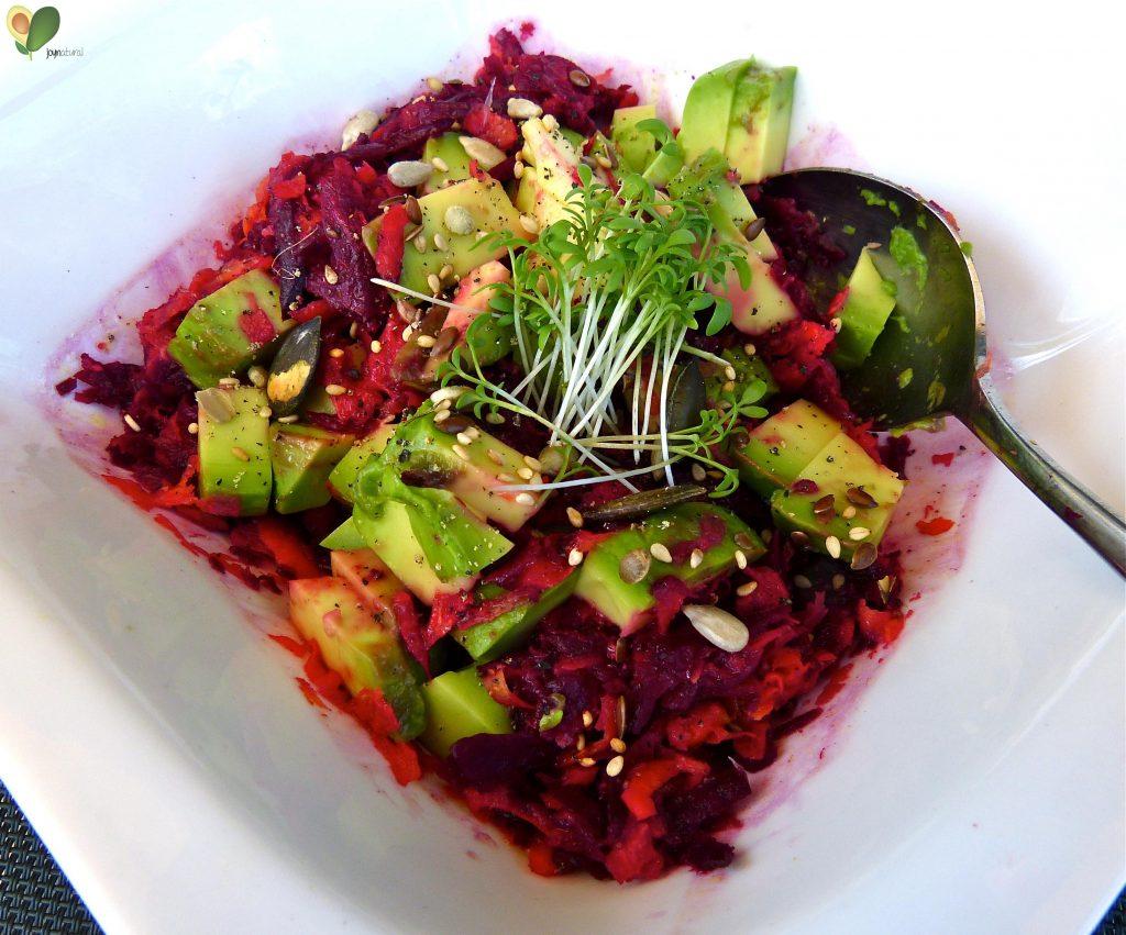 L1050406 1024x851 - Rote Bete Salat mit Avocado und Orange