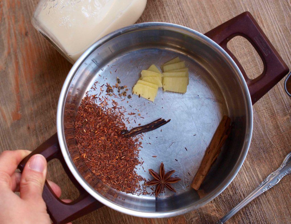 P1016237 1 e1505744325511 1024x787 - Selbstgemachter Chai Tee mit Hafermilch