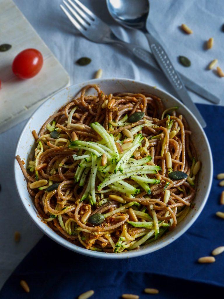 L1050853 LR 52 768x1024 - Wie ihr eure Pesto Pasta gesund und nährstoffreich macht (in nur 5 Minuten!)