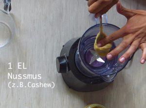 nm2 Kopie 300x223 - Selbstgemachte Nussmilch in nur 1 Minute