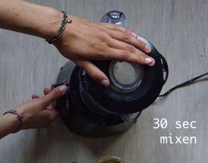 nm3 Kopie 300x235 - Selbstgemachte Nussmilch in nur 1 Minute