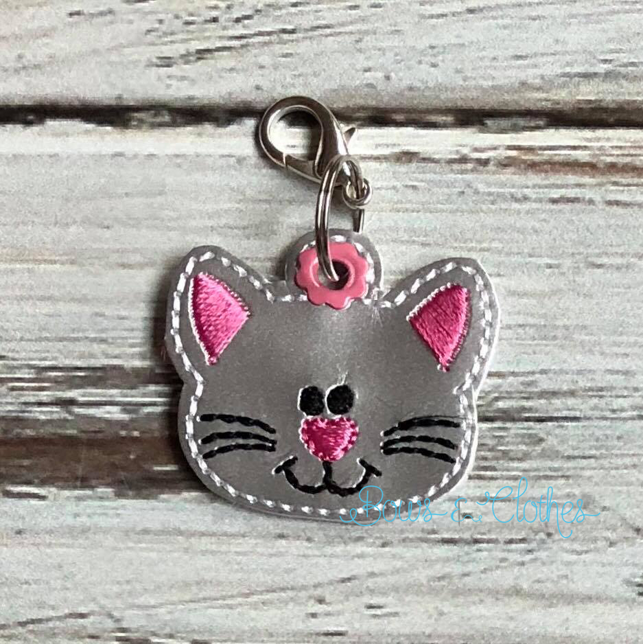 Cat Zipper Pull