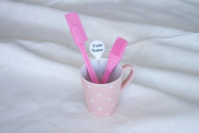 pink dots mug