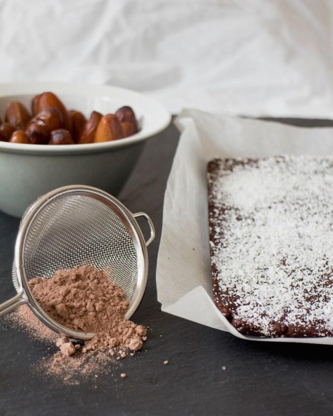 raw vegan brownie bars