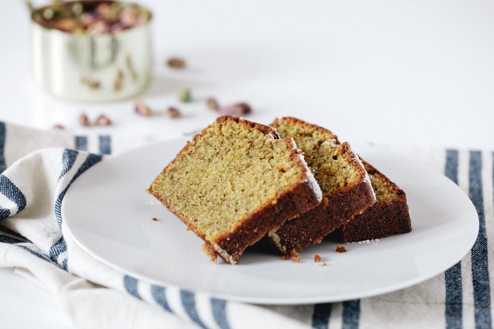 pistachio chai cake