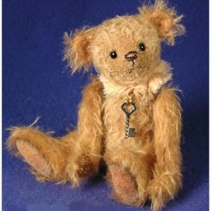 MARIGOLD – 6″ MINIATURE ANTIQUE STYLE TEDDY BEAR PATTERN