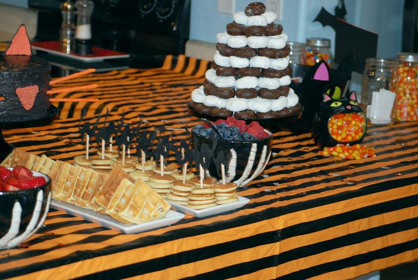 Black Kitty Cat Halloween Brunch