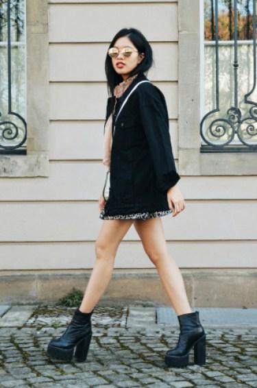 Outfit Black Denim Jacket Leo Mini Skirt Anh Dinh Fashion