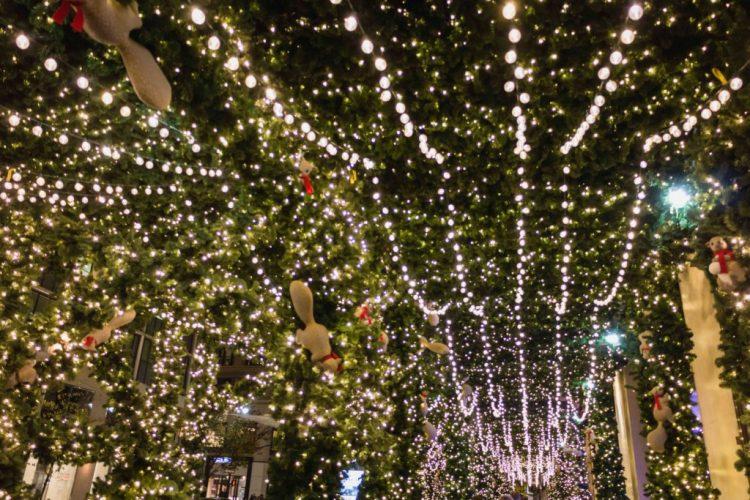 christmas in new york lord and taylor light - Christmas Lights Nyc