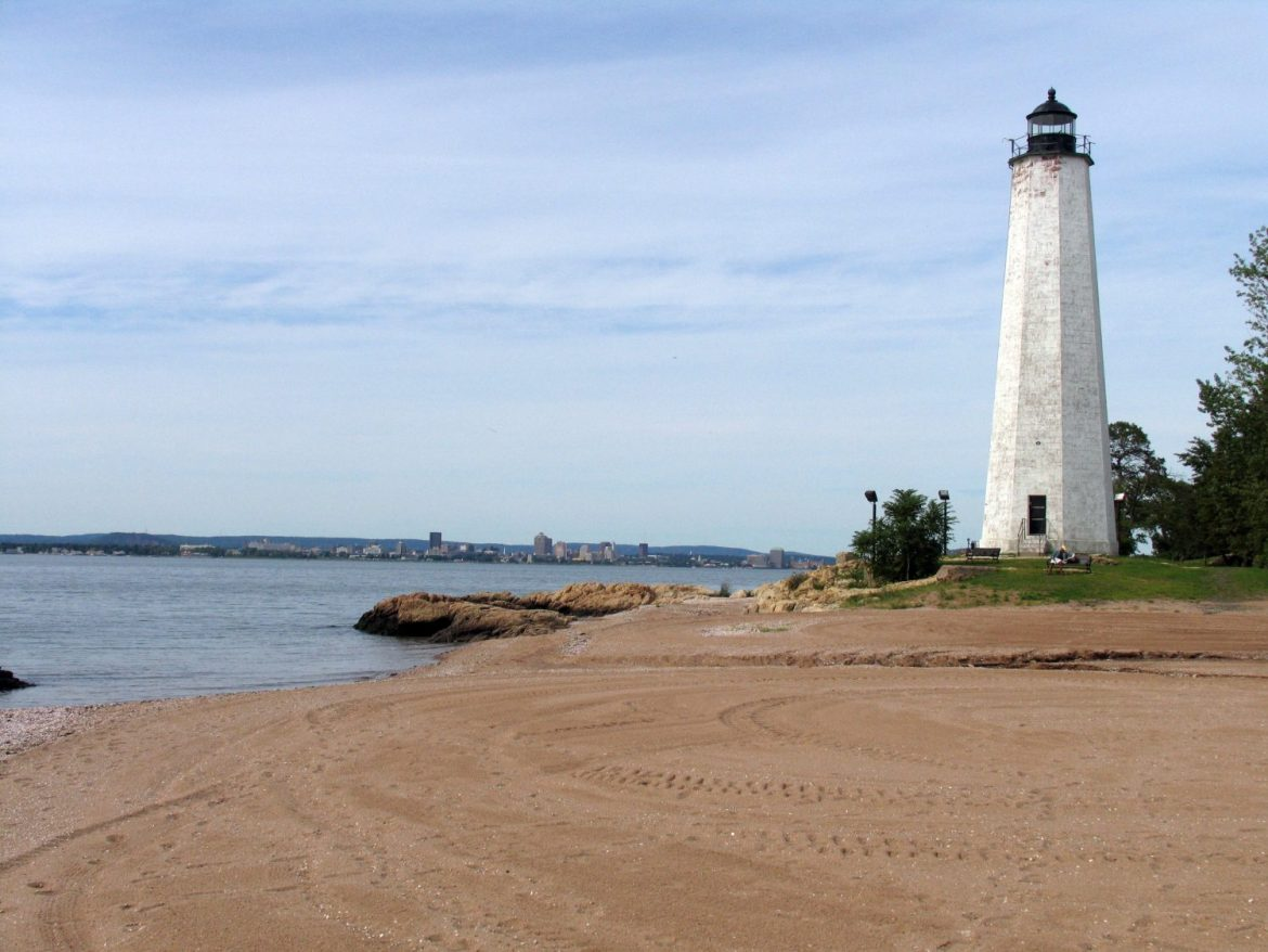 Five_Mile_Point_Light_-_New_Haven_CT