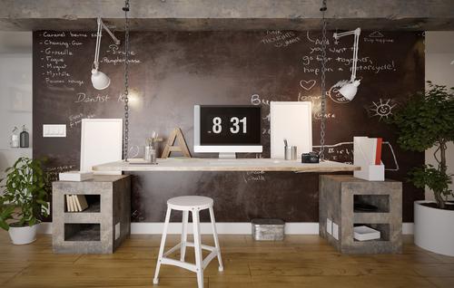 Mur en peinture ardoise tableau à craie dans un bureau adulte