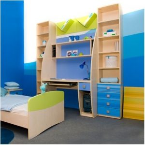 dégradé de peinture bleue sous forme de vague dans une chambre de garçon