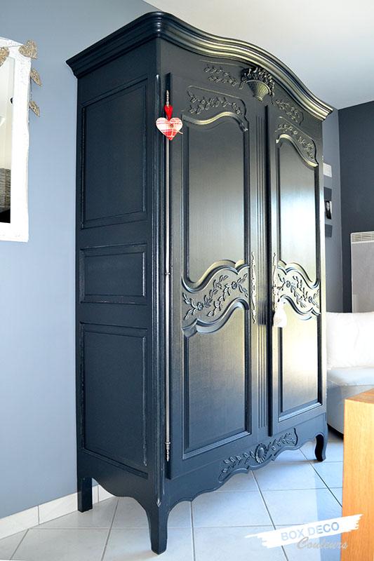 armoire normande rénovée peinte en gris anthracite