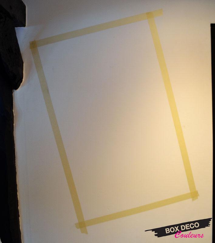 délimiter la surface à peindre avec du ruban de masquage