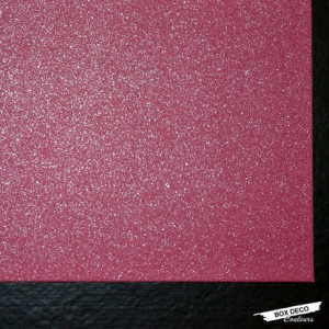 Zoom peinture rose à paillettes