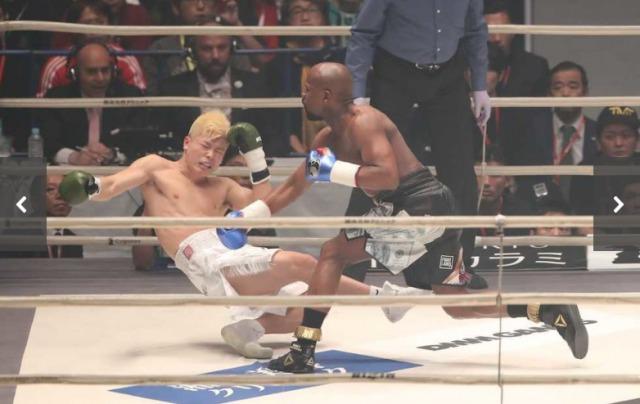 那須川天心 vs フロイド・メイウェザー 1RKOでメイウェザーの勝利!